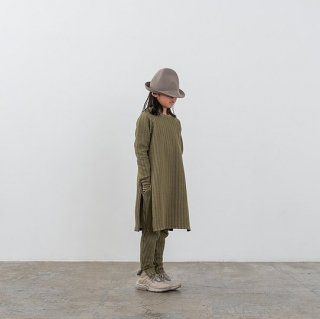 <img class='new_mark_img1' src='https://img.shop-pro.jp/img/new/icons14.gif' style='border:none;display:inline;margin:0px;padding:0px;width:auto;' />MOUN TEN.    stripe quilt side slit dress / khaki  95cm last one!