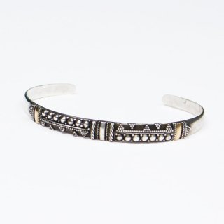 GEOMETRICAL PATTERN BANGLE
