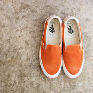 CLASSIC SLIP-ON<img class='new_mark_img2' src='https://img.shop-pro.jp/img/new/icons5.gif' style='border:none;display:inline;margin:0px;padding:0px;width:auto;' />