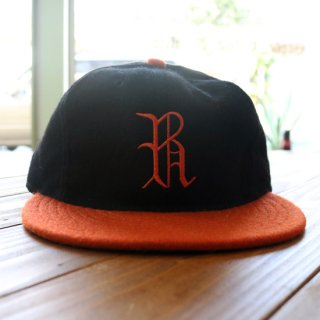 Tilted BrimxEFF R Baseball cap<img class='new_mark_img2' src='https://img.shop-pro.jp/img/new/icons5.gif' style='border:none;display:inline;margin:0px;padding:0px;width:auto;' />