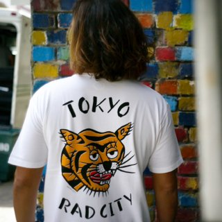 TOKYO SOUVENIR TEE<img class='new_mark_img2' src='https://img.shop-pro.jp/img/new/icons5.gif' style='border:none;display:inline;margin:0px;padding:0px;width:auto;' />