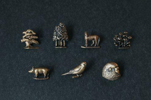 Brass pin brooch