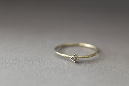 Twig ring / olive diamond