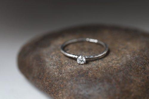 Twig + 0.1ct diamond ring / Pt900