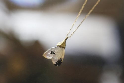 日本式双晶のネックレス(小)