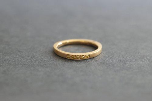 Triangle diamonds ring