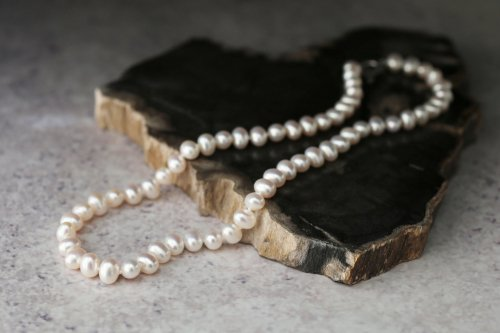 Potato pearl necklace