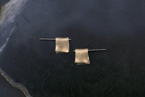 Snug earrings