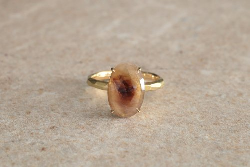 Nuance color sapphire ring
