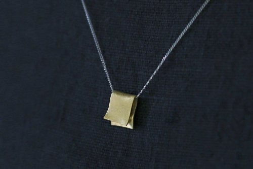 Snug necklace