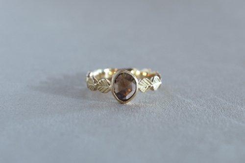 Leaf bezel ring + dark brown diamond / K18