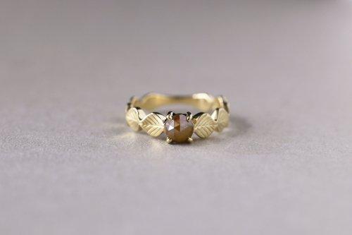 Leaf ring + rosecut diamond ( red brown ) / K18