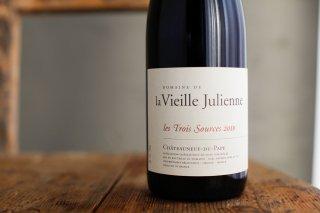 シャトーヌフデュパプ レ・トワ・ソース 2010 / ヴィエイユ ジュリアン (Chateauneuf du Pape les Trois Sources Vieille Julienne)