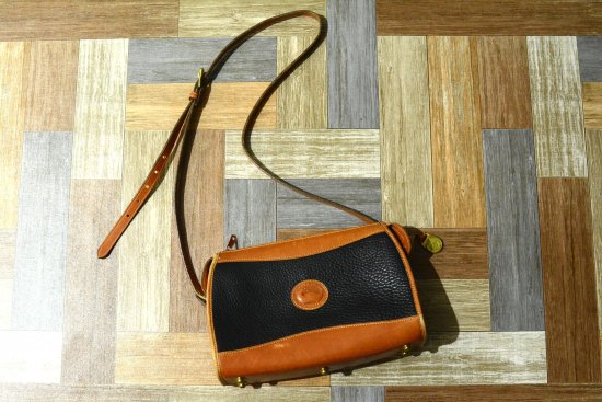 <img class='new_mark_img1' src='https://img.shop-pro.jp/img/new/icons6.gif' style='border:none;display:inline;margin:0px;padding:0px;width:auto;' />Vintage DOONEY&BOURKE USA製 レザー ショルダーバッグ ブラウン×ブラック (USED&Vintage)