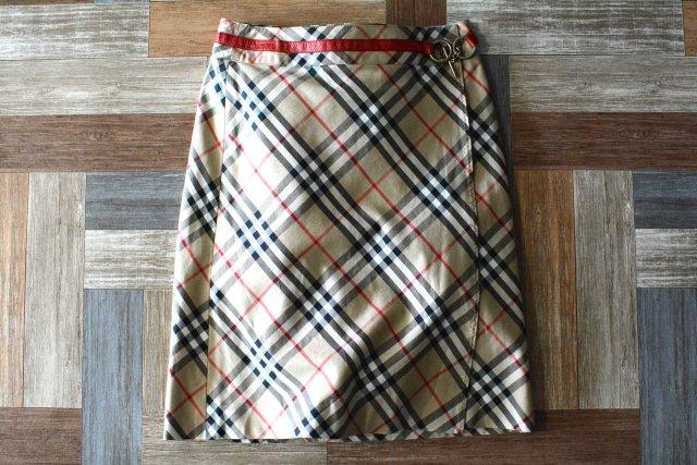 BURBERRY BLUE LABEL チェーン付き ノバチェック ラップスカート ベージュ (レディース古着)
