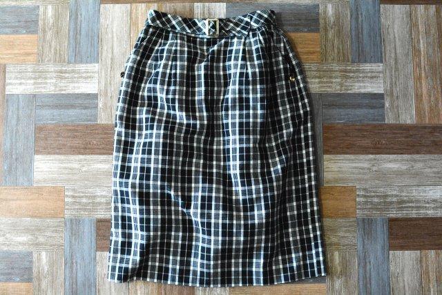 Vintage ベルト付き ツータック チェック スカート (レディース古着)