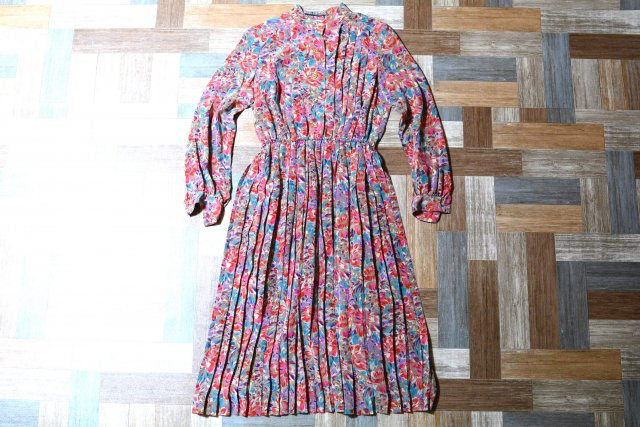 Vintage 花柄 バンドカラー プリーツ ワンピース (レディース古着)