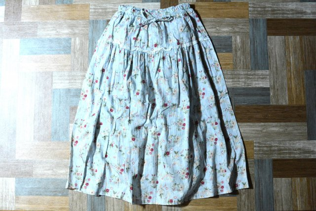 Vintage レース付き 小花柄 ロング スカート ライトブルー (レディース古着)