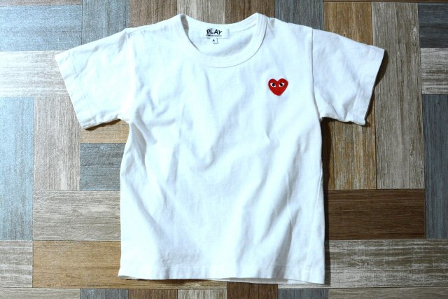 PLAY COMME des GARCONS ワンポイント ロゴ Tシャツ サイズ4 (キッズ古着)