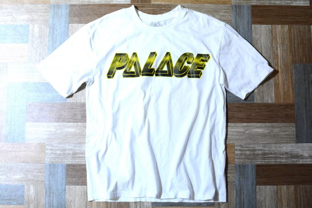 PALACE SKATEBOARDS TRI-FERG HYPERCOLOR Tシャツ ホワイト (メンズ古着)