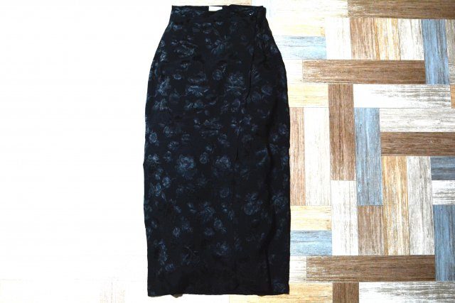 Vintage laura ashley イギリス製 花柄 巻きスカート ブラック (レディース古着)