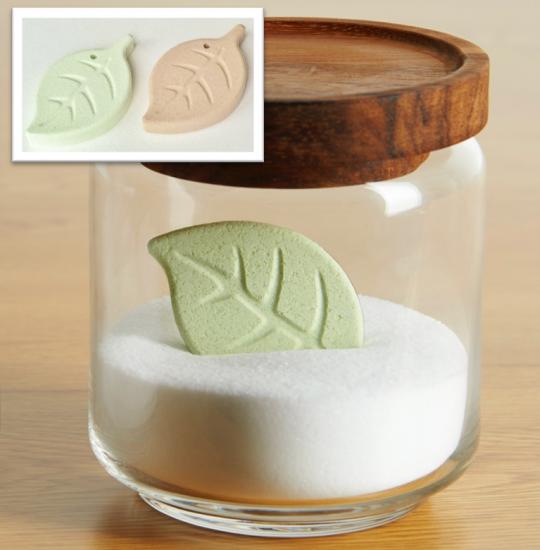 繰り返し使える乾燥材【ティッシュセラミックス】リーフ2色セット(緑・茶)