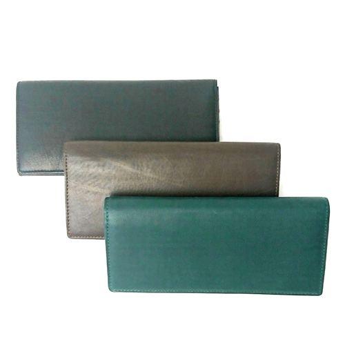 【アウトレット/カーフ】仔牛の革でできたソフトな手触りが特徴の長財布 カブセ長財布
