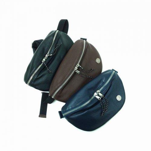 【アウトレット】素材に牛革を贅沢に使用したバッグ。使えば使うほどにフィット<br>ウエストバッグ