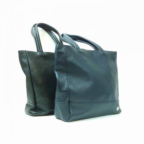 【アウトレット】素材に牛革を贅沢に使用したバッグ。使えば使うほどにフィット<br>トートバッグ