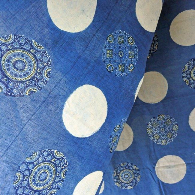 アジュラックの生地 マルチクロス ブルー×ホワイト サークル 2サイズ