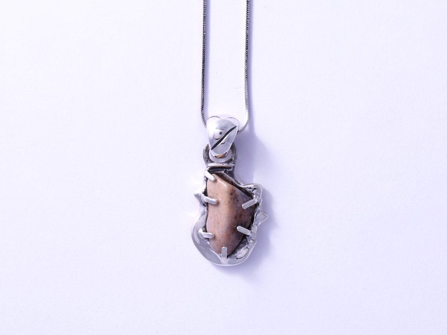 <img class='new_mark_img1' src='//img.shop-pro.jp/img/new/icons8.gif' style='border:none;display:inline;margin:0px;padding:0px;width:auto;' />Agate Pendant I