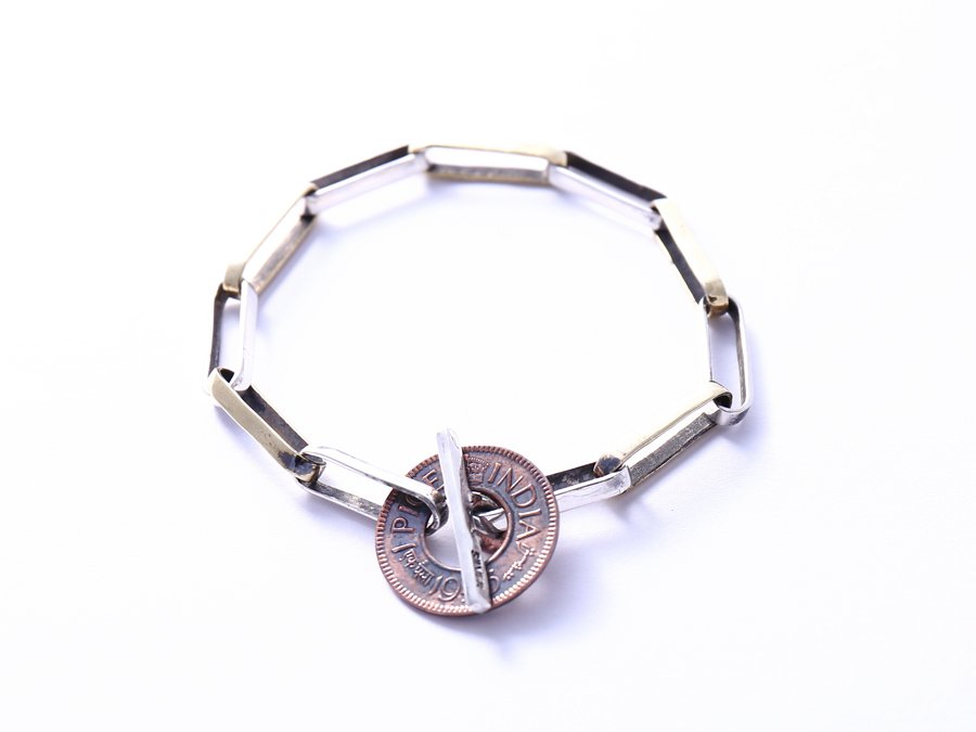 <img class='new_mark_img1' src='https://img.shop-pro.jp/img/new/icons8.gif' style='border:none;display:inline;margin:0px;padding:0px;width:auto;' />Old Coin Bracelet