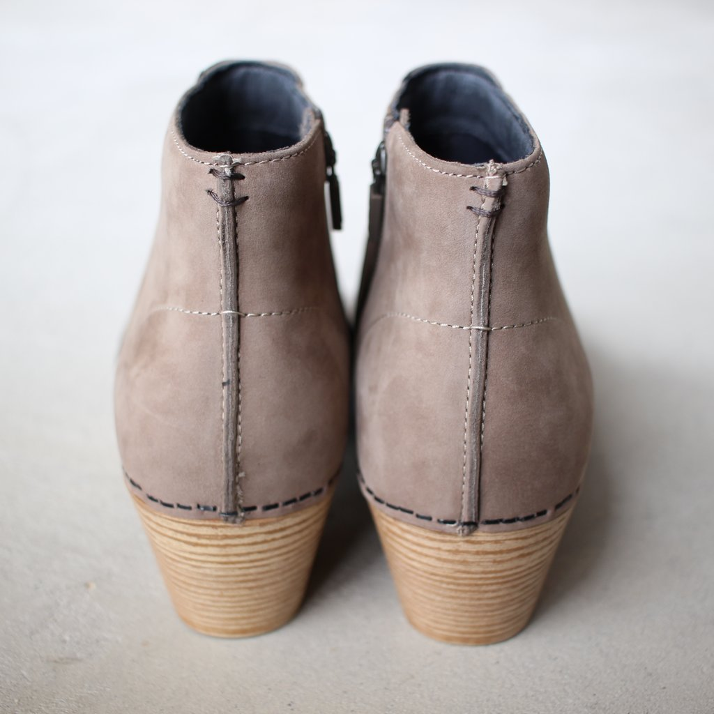Select - Shoes | 靴 MARIA Milled Nubuck #taupe