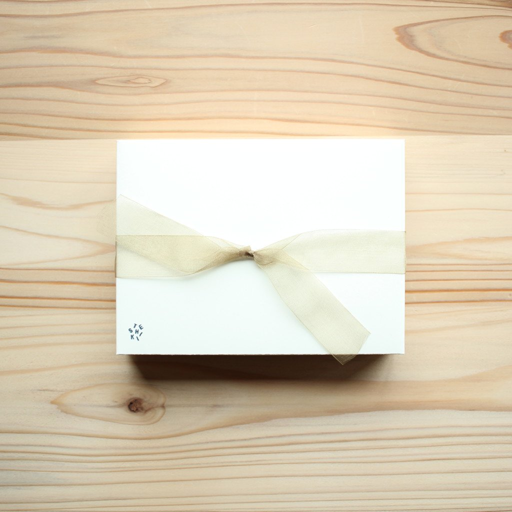 TESHIKI | 手式 CHRISTMAS SPECIAL BOX #SANTA CLAUS & HOLLY
