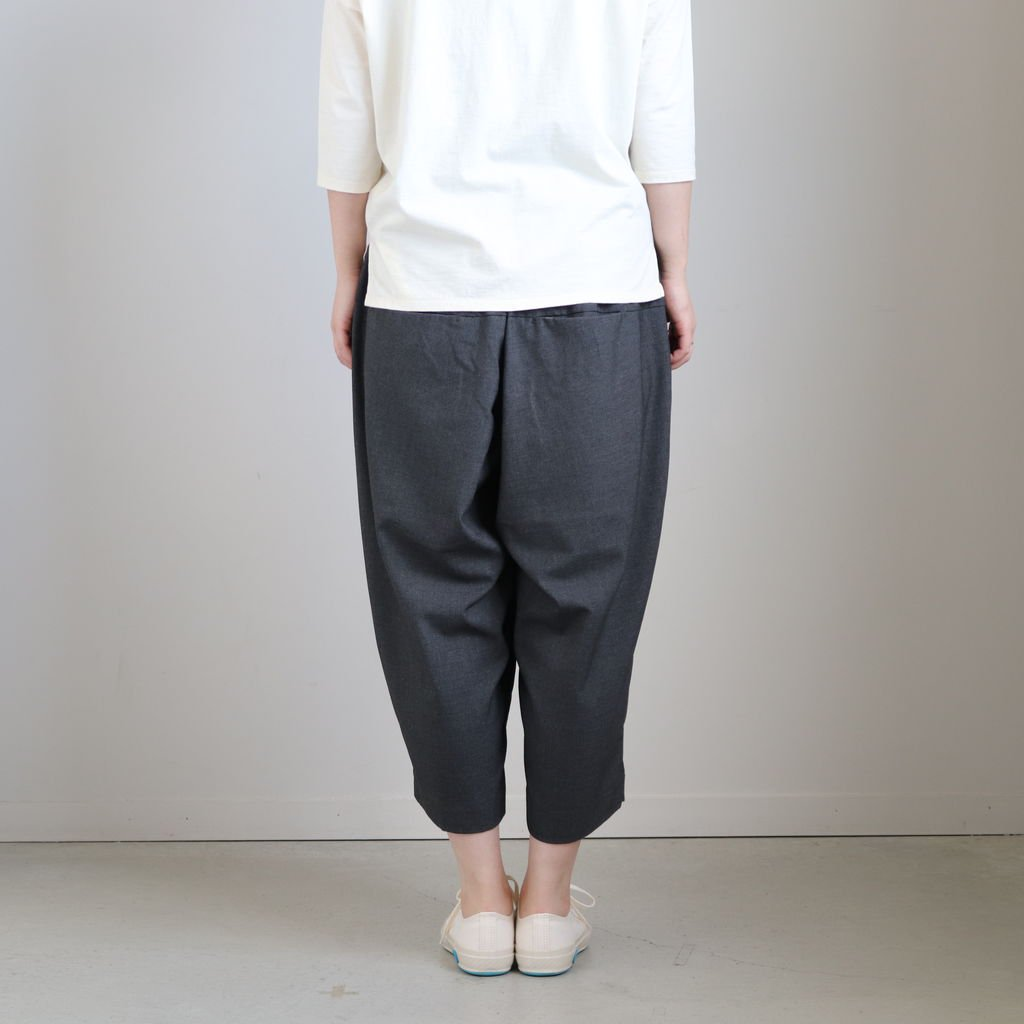 WIDE EGG CROPPED PANTS T/R TROPICAL #CHARCOAL [A21502]