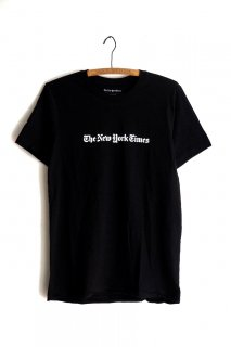 The New York Times Logo Tee Shirt<img class='new_mark_img2' src='//img.shop-pro.jp/img/new/icons1.gif' style='border:none;display:inline;margin:0px;padding:0px;width:auto;' />
