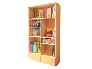 【絵本もママパパの物も収納】家族の本棚
