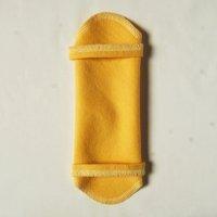 ホルダー(H)くちなし染め 糸:薄レモン色