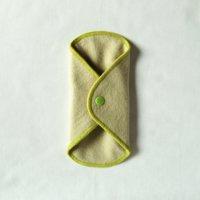 ボタン付ライナー(BL)よもぎ染め 糸:黄緑