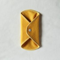 ボタン付ライナー(BL)くちなし染め 糸:薄レモン