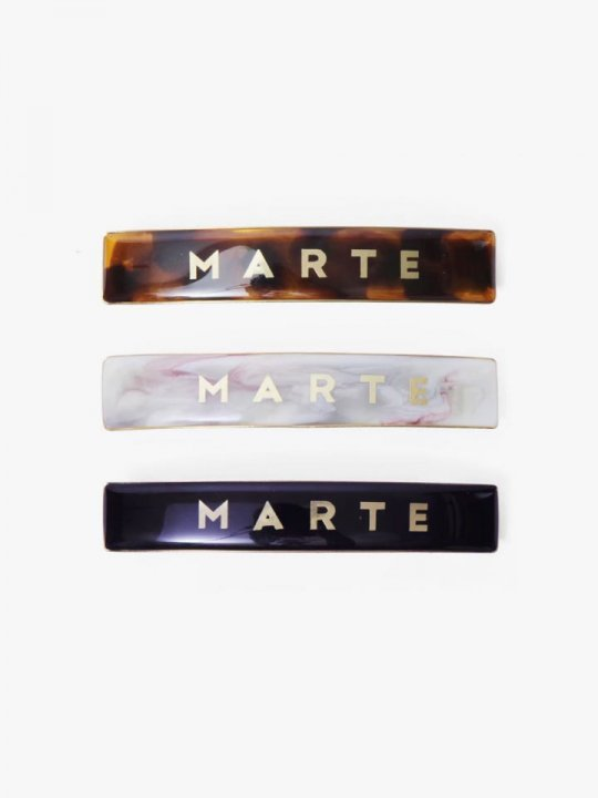 <img class='new_mark_img1' src='//img.shop-pro.jp/img/new/icons5.gif' style='border:none;display:inline;margin:0px;padding:0px;width:auto;' />MARTE Logo Barrette