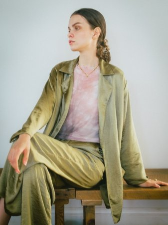 <img class='new_mark_img1' src='https://img.shop-pro.jp/img/new/icons5.gif' style='border:none;display:inline;margin:0px;padding:0px;width:auto;' />MARTE Silky Over Jacket