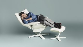 NATUZZI the-re-vive-chair