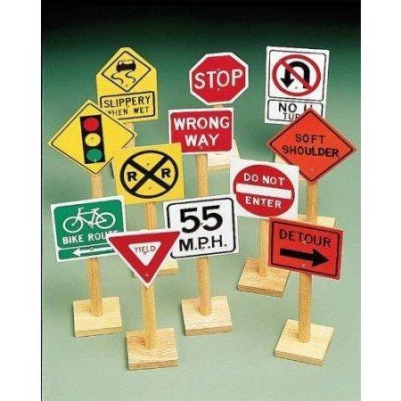 Marvel Large Wooden Traffic Sign Assortment - Set of 12 ミニカー ミニチュア 模型 プレイセット自動