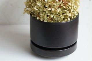 <img class='new_mark_img1' src='https://img.shop-pro.jp/img/new/icons8.gif' style='border:none;display:inline;margin:0px;padding:0px;width:auto;' />Arabia [SN Model] Flower Pot (Mat Black) / アラビア [ SNモデル] フラワーポット (マット・ブラック)