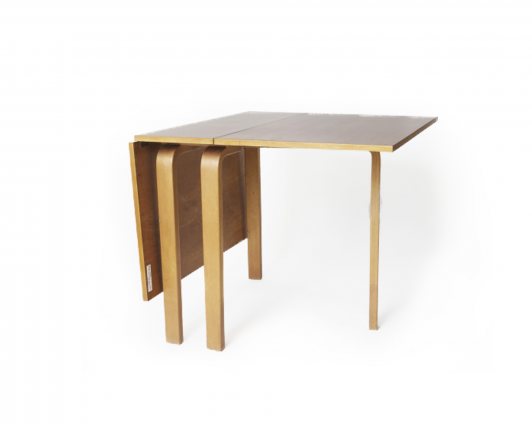 Alvar Aalto/Drop leaf table