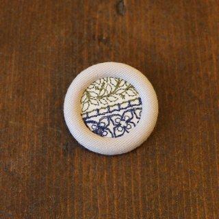 エンシェント刺繍ドーナツブローチ