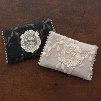 オリジナル刺繍ポケットティッシュケース【カナメモチ】