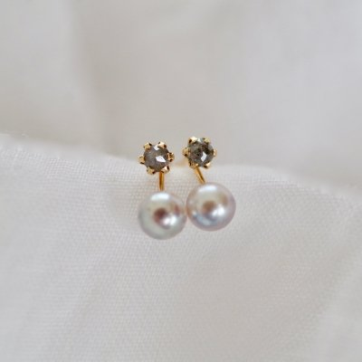 Gray Diamond & Akoya pearl pierce K18