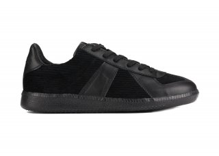 GERMAN TRAINER CORDUROY BLACK<img class='new_mark_img2' src='https://img.shop-pro.jp/img/new/icons5.gif' style='border:none;display:inline;margin:0px;padding:0px;width:auto;' />